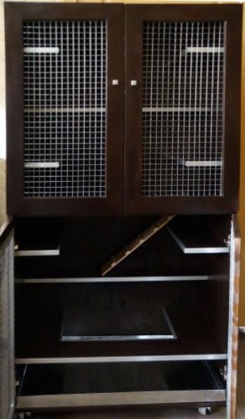 2х этажная витрина для шиншилл\ 4 двери