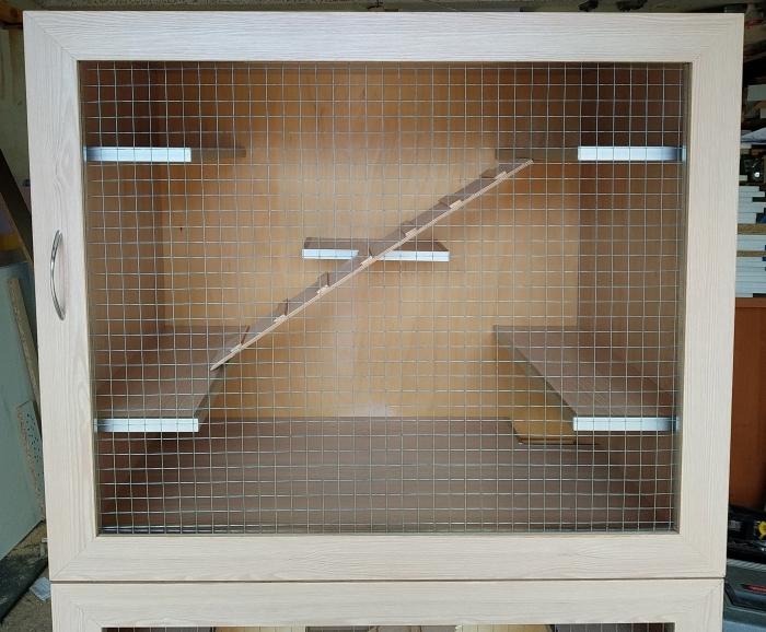 2х этажная витрина для шиншилл